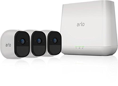 ARLO Pro VMS4330 Sistema di Videosorveglianza Wi-Fi, Kit Base con 3 Telecamere di Sicurezza Audio a 2 Vie, HD, Visione Notturna, Interno/Esterno, Funziona con Alexa e Google Wi-Fi