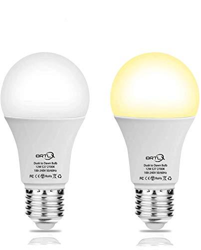 BRTLX Lampadine LED con Sensore Crepuscolare E27 12W Equivalente a 100W Lampadina Bianca Calda 2700K Auto On/Off per Corridoio Portico Garage Veranda 2 pezzis